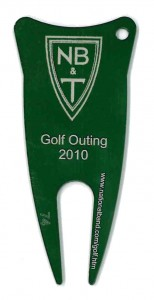 golf outing divot tool